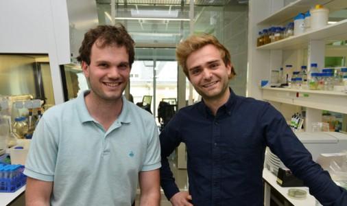 Dr David Bikard et Dr Xavier Duportet (de gauche à droite)
