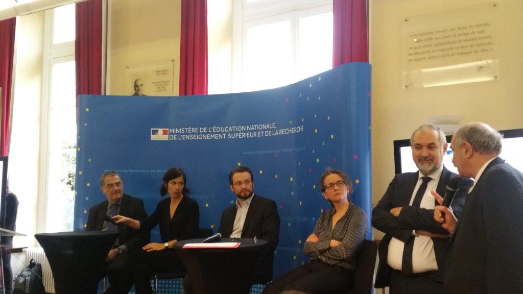 de gauche à droite : Serge Haroche, Suzana Coelho, Fabien Ferrage, Chrystele Sanloup et Paul Indelicato,