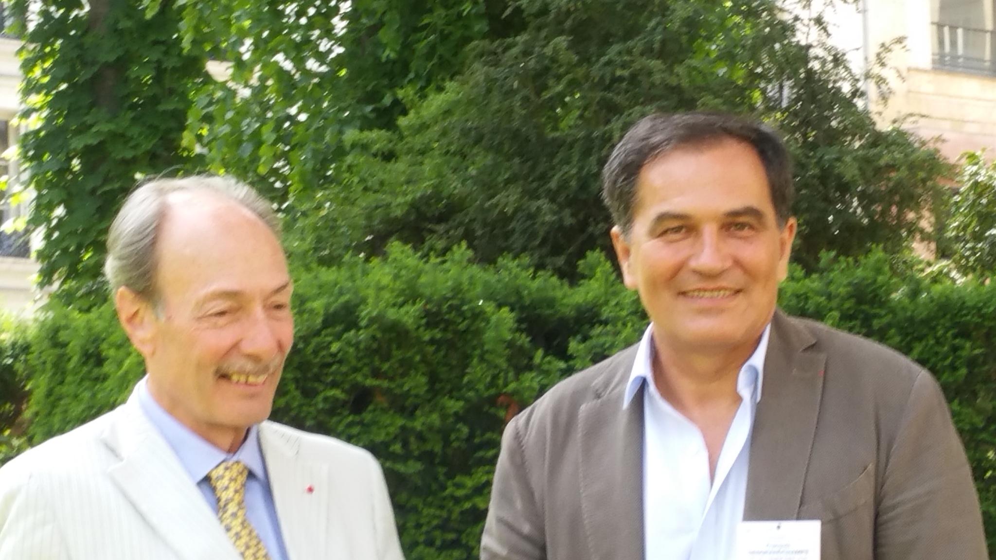 Dr Philippe Desgranchamps (à droite)