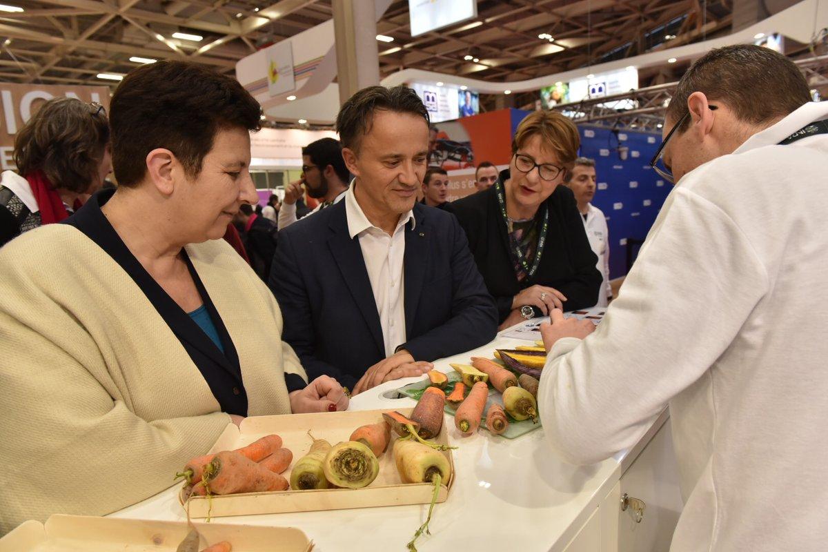 Frédérique Vidal, ministre de la recherche, et Philippe Maugin, président de l'INRA, lors du SIA 2018