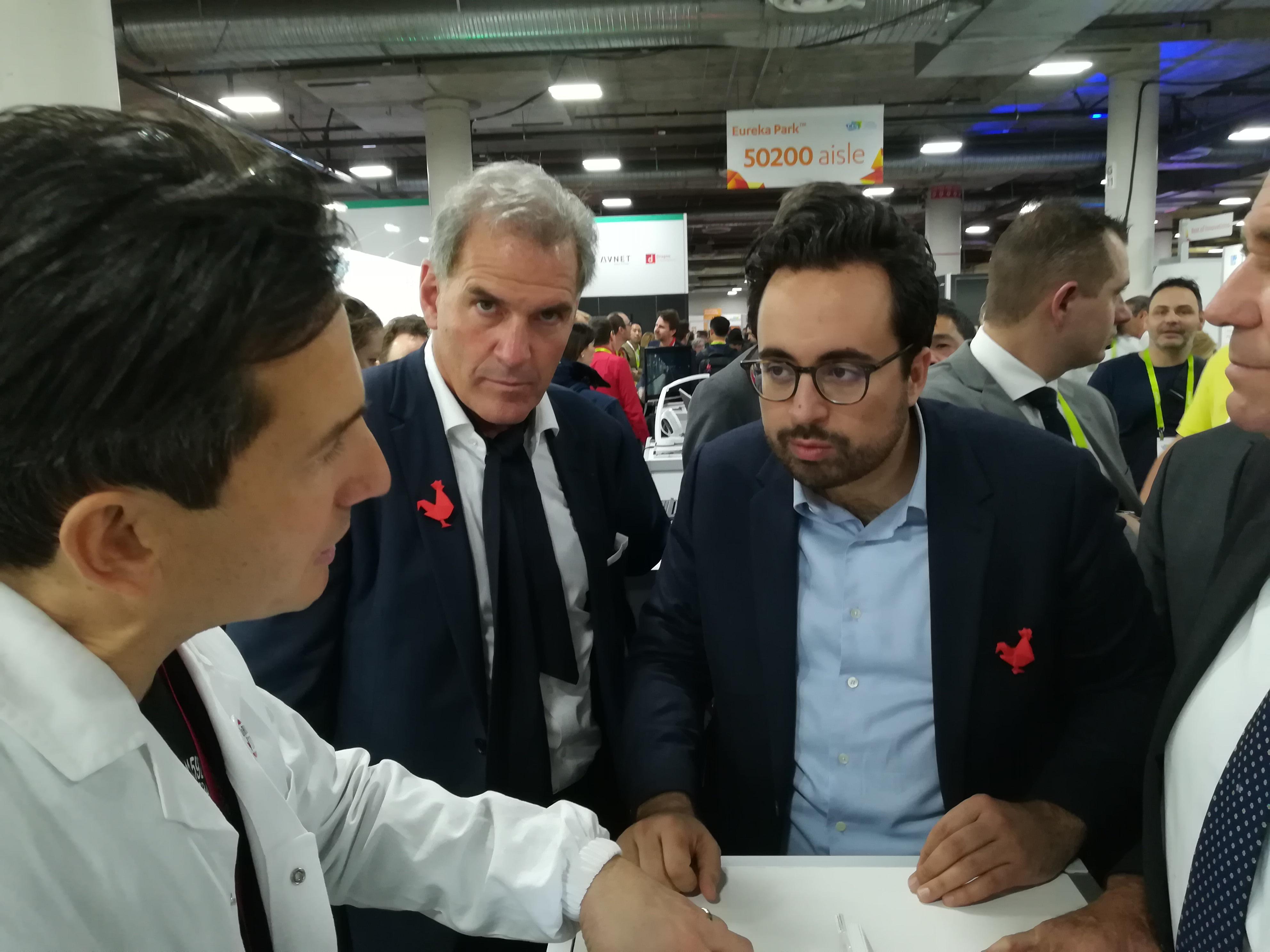 Mounir Mahjoubi, secrétaire d'état au numérique, et Frédéric Dayan au CES 2018